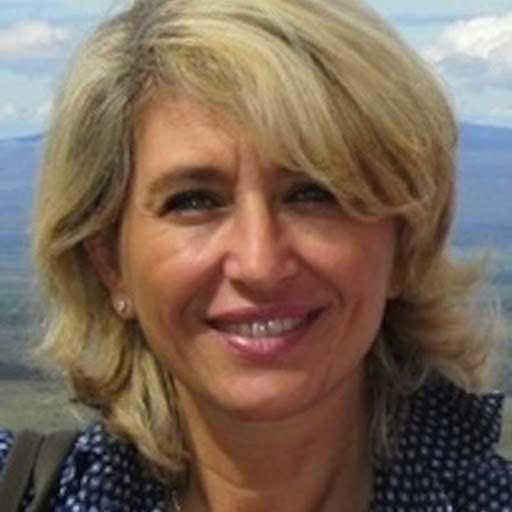 LUCIA LAMONARCA